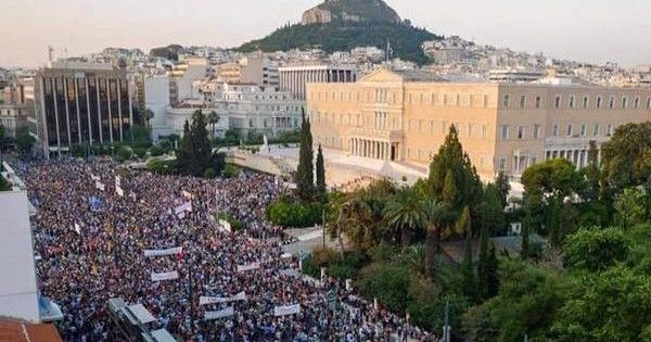 Greece: Mighty class-based 'NO' shakes bosses' EU